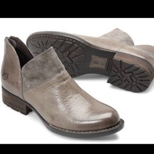 Born Brown Karrava Heeled Ankle Booties Size 7